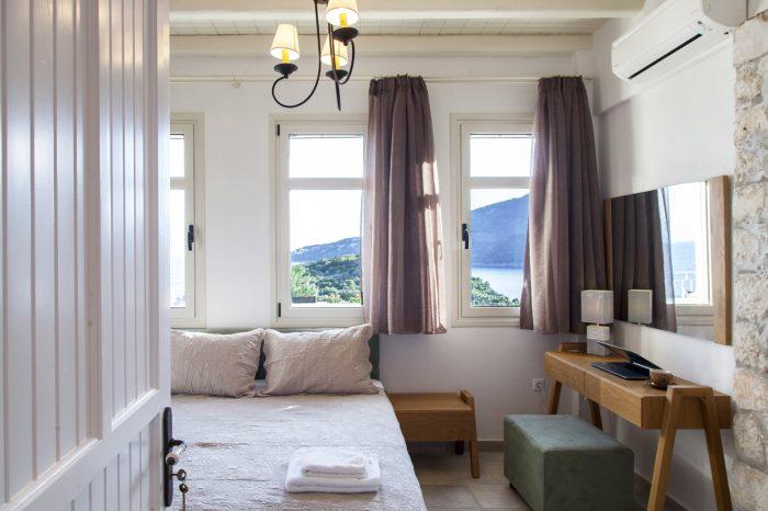 villa-cohili-sivota-lefkada-greece-luxury-bedroom-with-double-bed
