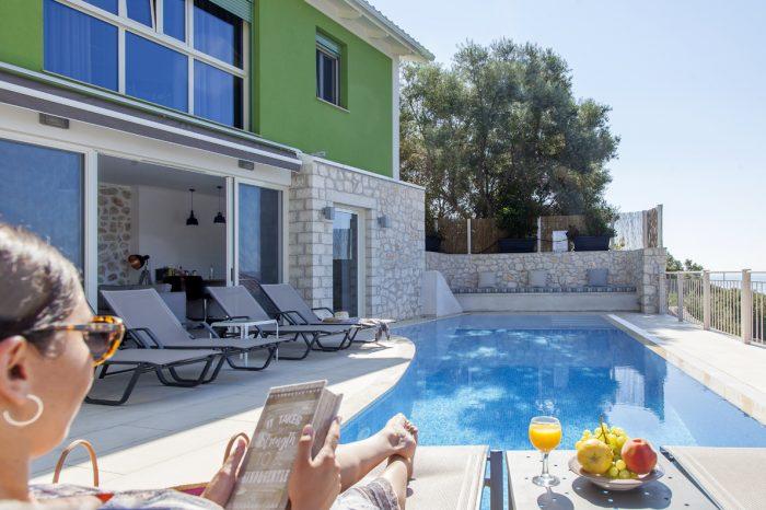 villa-cohili-sivota-lefkada-greece-private-pool-area-with-sunbeds-amazing-seaviews