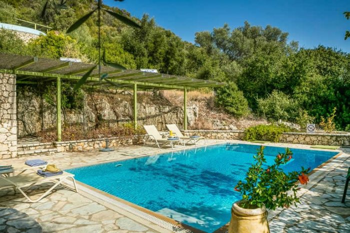 villa-maistro-lefkada-greece-private-pool