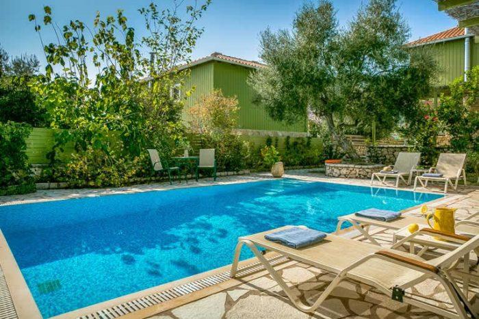 villa-maistro-sivotavillas-sivota-lefkada-lefkas-island-private-pool-sunbeds