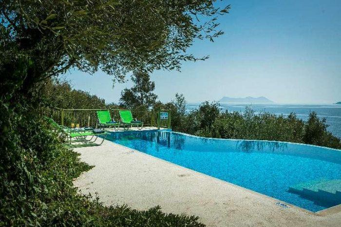 villa-votsalo-lefkada-infinity-pool