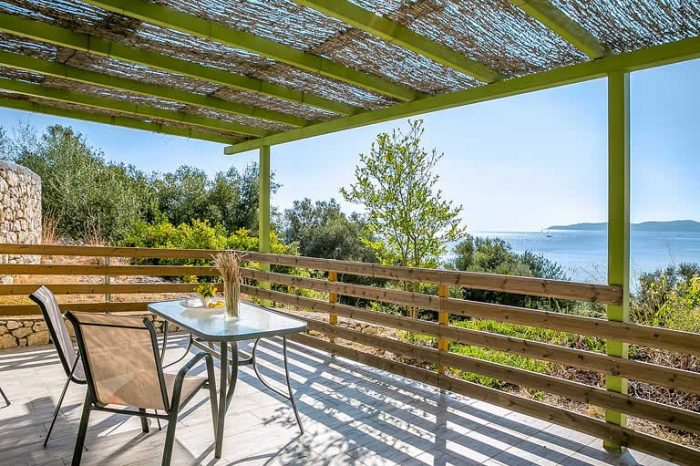 villa-votsalo-lefkada-outdoor-seating