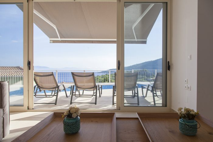 villa-cohili-lefkada-greece-living-area-with-direct-access-to-pool-endless-views