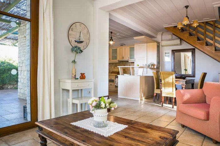 villa-maistro-lefkada-greece-modern-living-area-modern-decoration