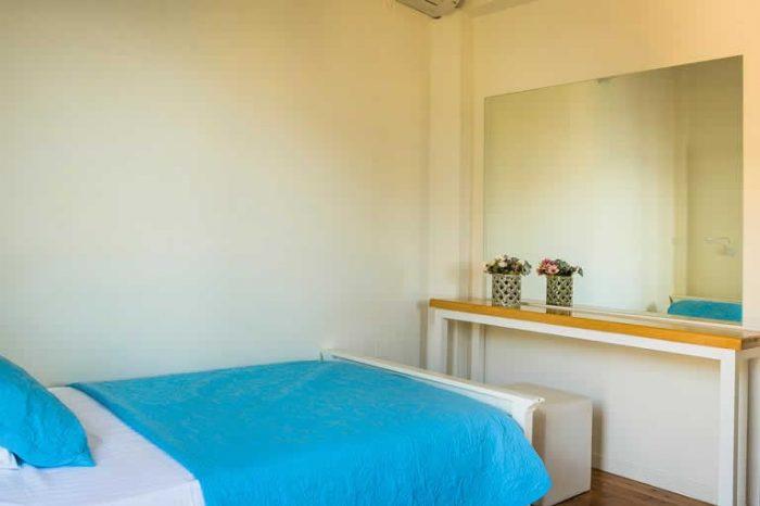 villa-maistro-lefkada-greece-sivota-villas-bedroom-modern-decoration