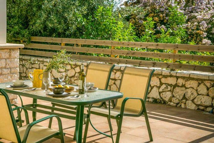 villa-maistro-sivota-lefkada-greece-outdoor-dining-area-with-amazing-views