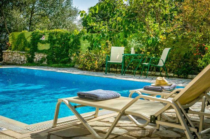 villa-maistro-sivota-villas-lefkada-greece-private-pool-sunbeds
