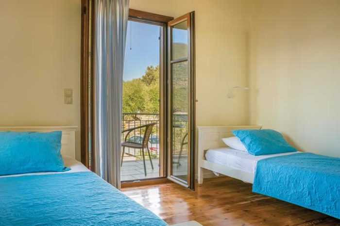 villa-maistro-sivotavillas-sivota-lefkada-greece-twin-bedroom-with-two-signle-beds
