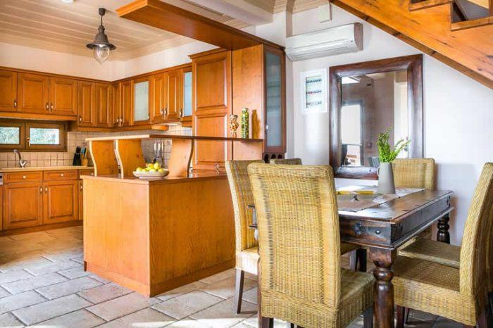 villa-ostria-lefkada-greece-fully-equipped-kitchen-dining-area