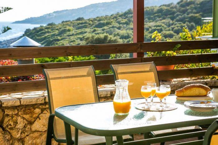 villa-ostria-lefkada-greece-outdoor-dining-area-panoramic-views