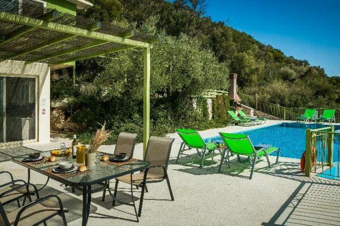villa-votsalo-lefkada-greece-outdoor-area