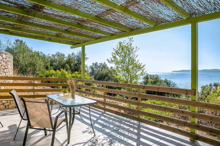 villa-votsalo-lefkada-outdoor-seating