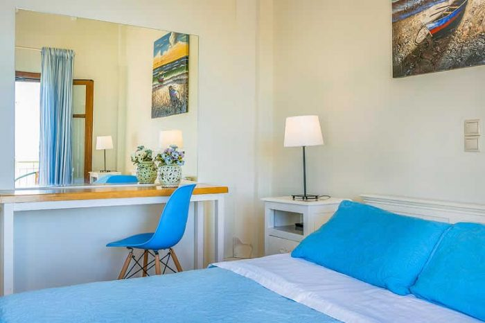 villa-pelagos-sivotavillas-lefkada-greece-luxury-bedroom-with-double-bed