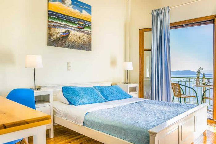 villa-pelagos-sivotavillas-lefkada-island-greece-modern-bedroom-with-double-bed