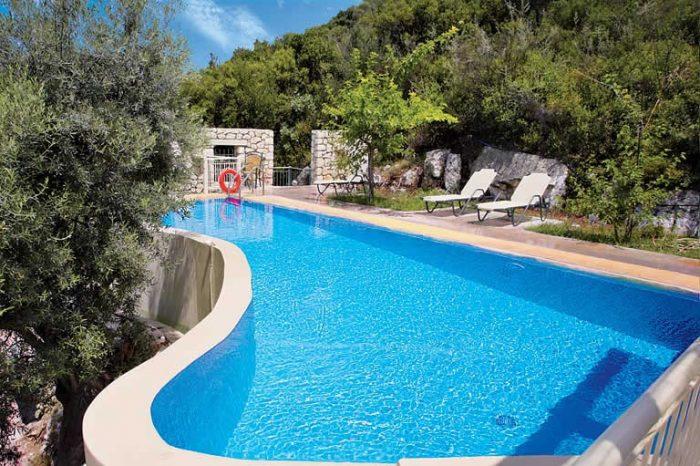 villa-anemus-lefkada-private-pool